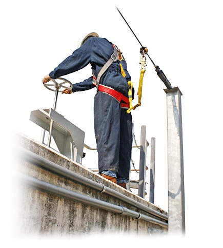 fall protection lifeline around rooftop of tank