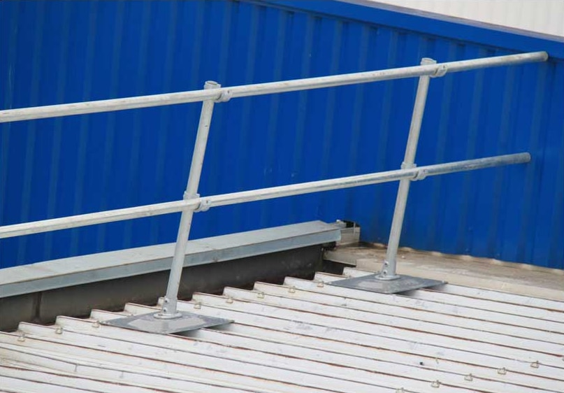 corrugated-metal-roof-railing-1