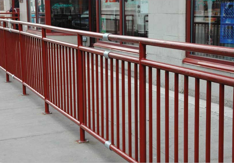 flexguard-ground-based-railing-system-2