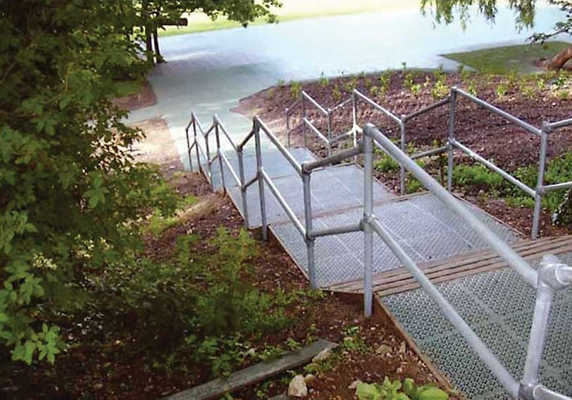 flexguard-ground-based-stair-railing