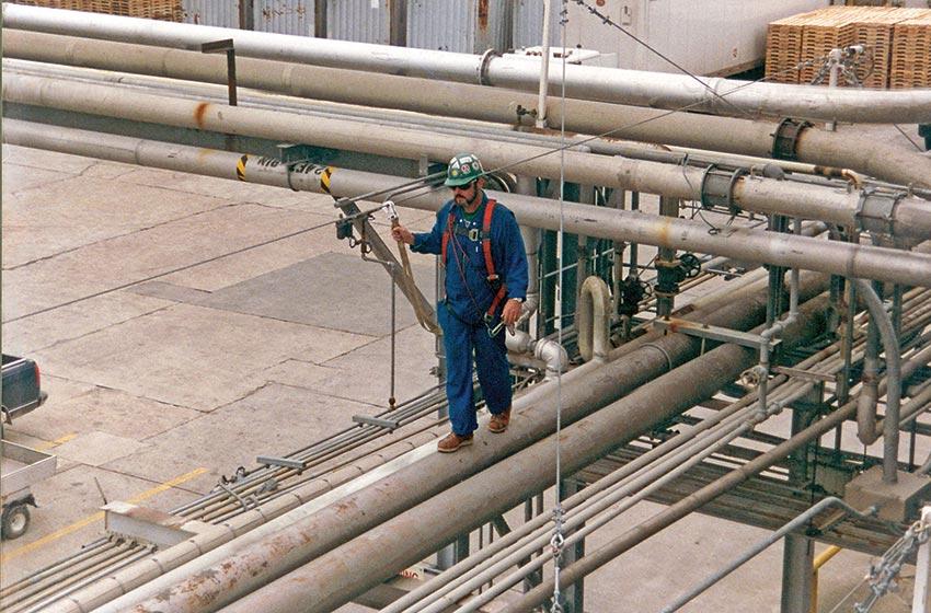 Multi Span Fall Safety Lifeline for Piperacks