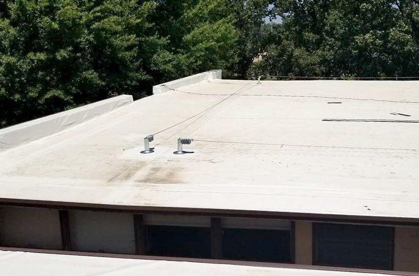 Rooftop MultiSpan Lifeline System